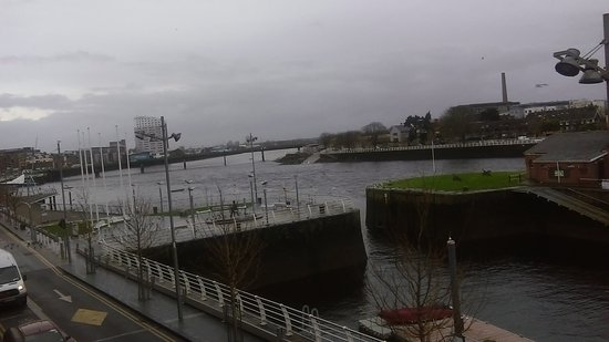 The Pier Hotel, Limerick Photo