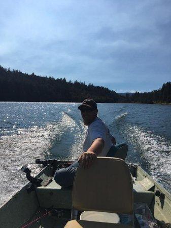 Burney, Califórnia: things to do lake fishing
