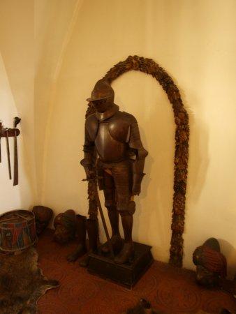 Bouzov Castle: Zbrojownia