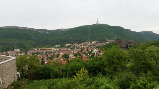 Belogradchik, Bulgária: the town from part way to the top