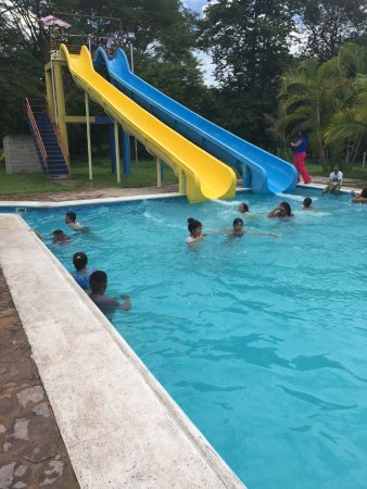 Juticalpa, Honduras: they have 3 pools