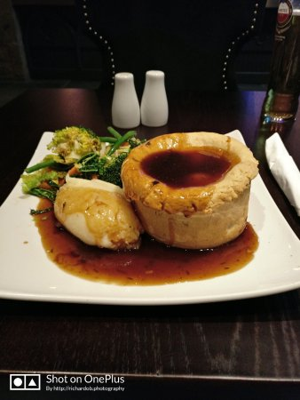 Allensford, UK: Probably the best beef and ale pie I've had in a long time