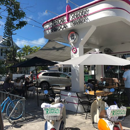 Eaton street seafood market key west restaurant reviews for Key west fish market