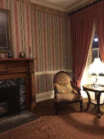 Big Tree Inn: foyer