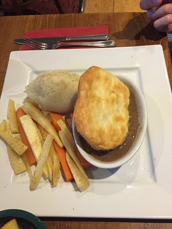 Birds and the Bees: Steak pie