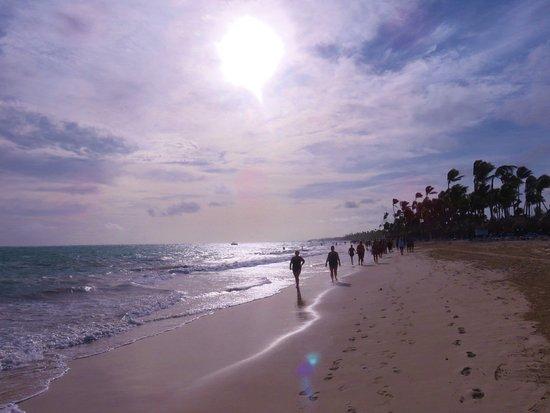 Grand Bahia Principe Punta Cana : Lovely morning run on the beach