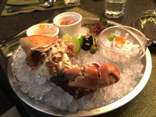 TIMBER Bistro & Wine: 非常大份量的螃蟹前菜冷盤