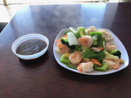 West Haven, CT: steamed shrimp and veggies