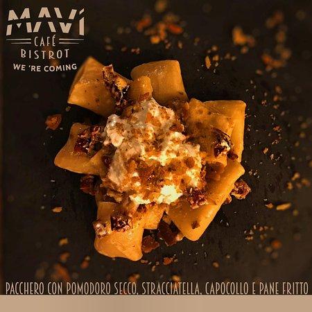 Paccheri con Capocollo di Martina Franca stagionato 60gg, pomodoro secco, pane fritto, stracciat