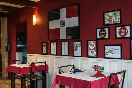Linda-a-Velha, Portekiz: Recuerda Amor - restaurante dominicano - Sala da Entrada