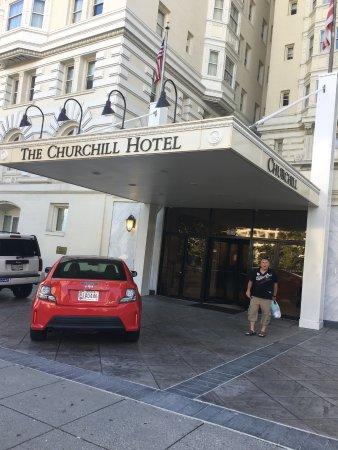 Churchill Hotel Near Embassy Row : Front entrance of hotel