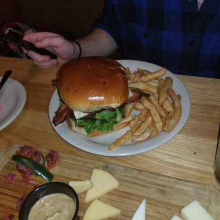 River Hofbrau: pepperjack burger