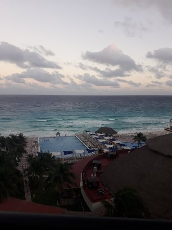 Crown Paradise Club Cancun: 20180111_182201_large.jpg