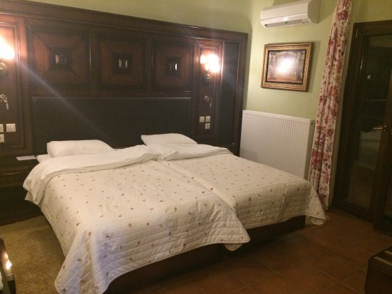 Dellas Boutique Hotel: SUPER! clean and very comfortable beds!