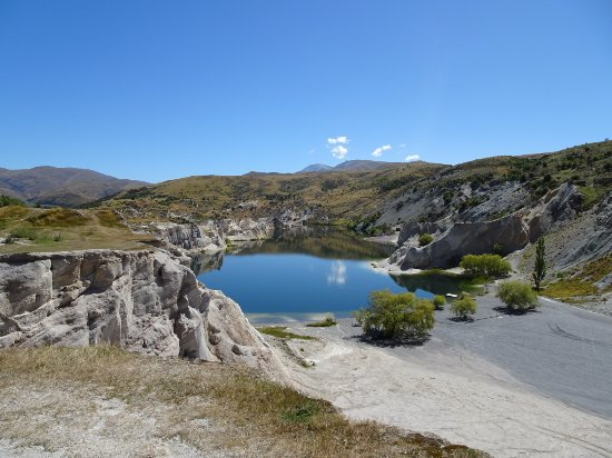 Ranfurly, New Zealand: St Bathans Blue Lake