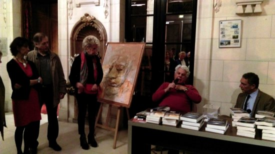 Maffliers, Frankrike: Signature de livres et exposition art