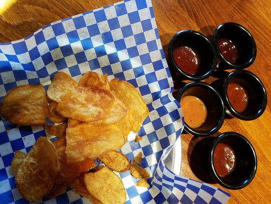 Christiana, DE: Chips and Sauces