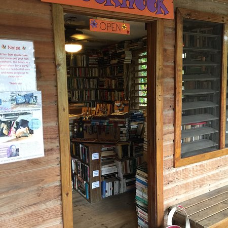 West End, Honduras: Booknook