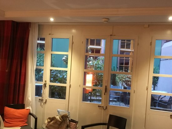 Hotel Basel Photo