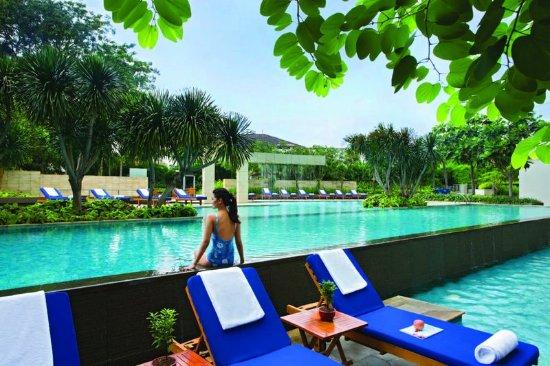 Somerset Berlian Jakarta: Pool