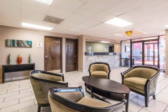 Quality Inn & Suites - Round Rock: Lobby