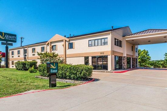 Quality Inn & Suites - Round Rock: Exterior
