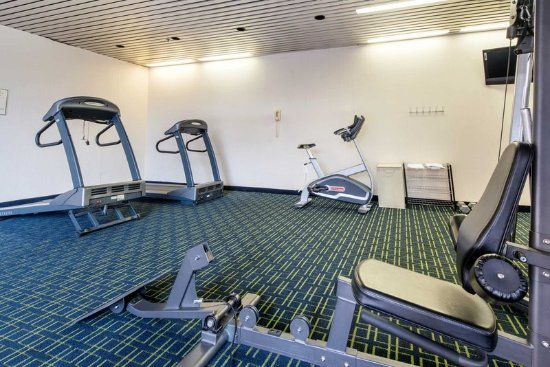 Charleston, WV: Health club