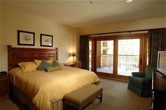 Lodge at Mountaineer Square: Guest room
