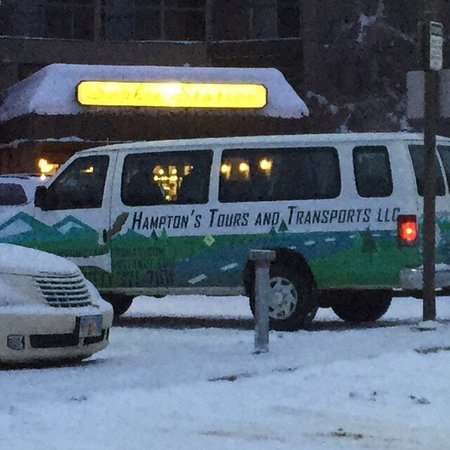 Fairbanks, AK: Hampton's Tours and Transports
