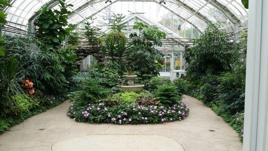 Elmhurst, IL: Wilder Park Conservatory