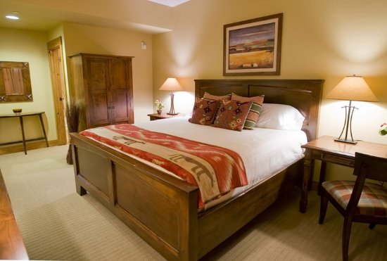 Victor, ID: Guest room