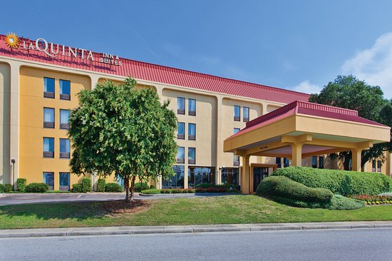 La Quinta Inn & Suites Charleston Riverview Hotel