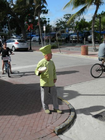 Old Town Trolley Tours Key West : Don't let the pie man get you