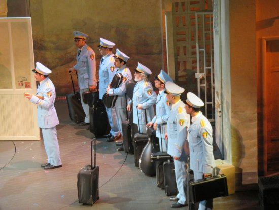 Broadway: The Visitors say Goodbye