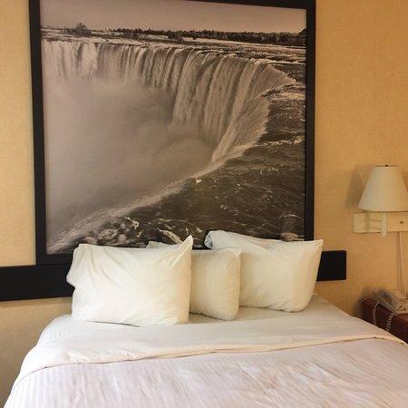 Ramada by Wyndham Niagara Falls Near the Falls: photo0.jpg