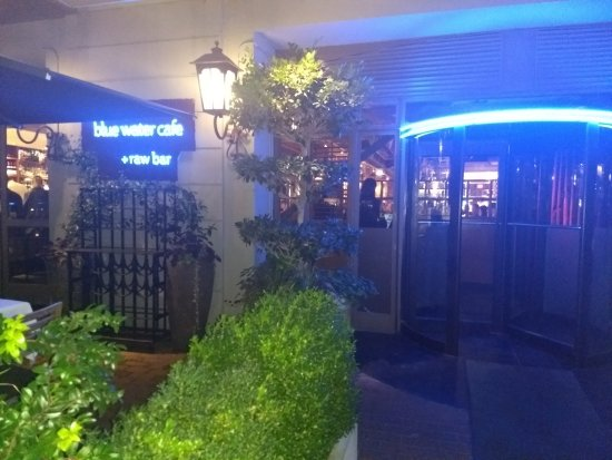 Blue Water Cafe: 入り口