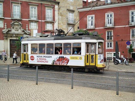Lisbon Tram & Funicular Network: Tram no. 28