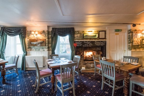 East Haugh House Restaurant: The cosy Fisherman's Bar