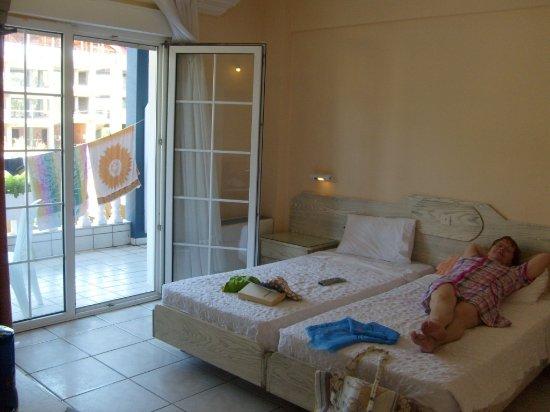 Korinos, Greece: Room with the balcony.