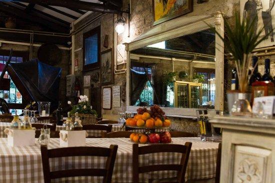 Capranica, Italy: Ambiente rustico e ricercato..per sorprendere i vostri ospiti