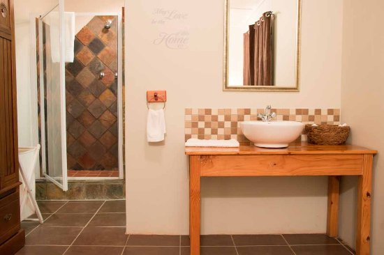 Nanaga, South Africa: Bathroom in Double bed room Bushbuck cottage