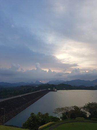 Phanom, Thailand: 20171119_174546_large.jpg
