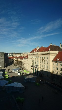 MuseumsQuartier Wien: DSC_0246_large.jpg