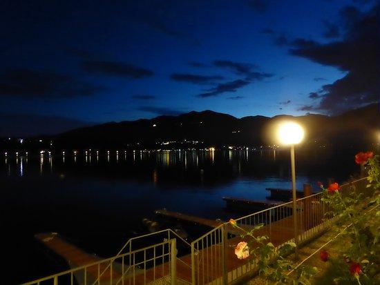 Pettenasco, Italy: Uitzicht vanuit het restaurant.