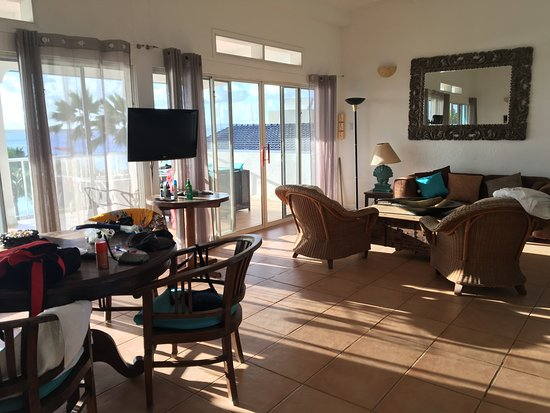 Bonaire Oceanfront Apartments: Foto do living da Penthouse