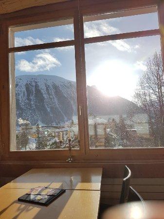 Samedan, İsviçre: Zimmer und Aussicht Bistro