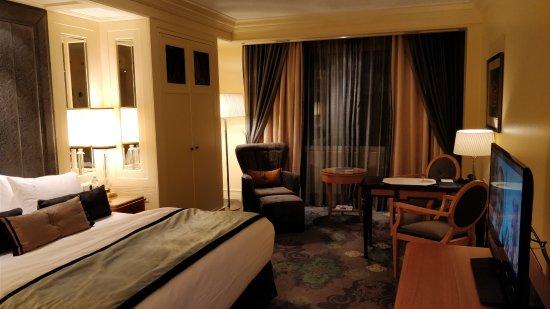 Hotel Kamp: Yleisnäkymää huoneesta.
