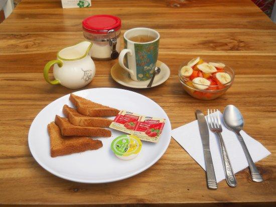 Santa Marta District, كولومبيا: Desayuno en el hostal.