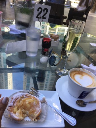 Awesome French Bakery/Brunch Authentic and Divine
