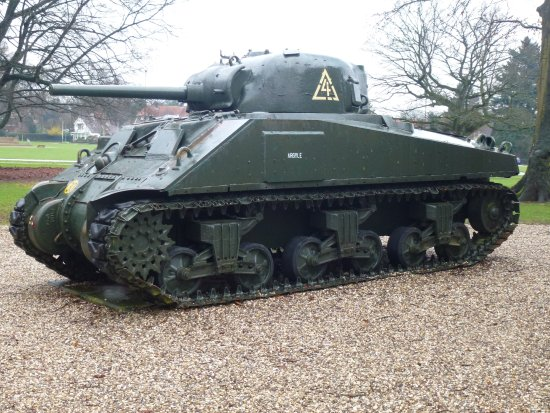 Airborne Museum Hartenstein: The usual tank on display